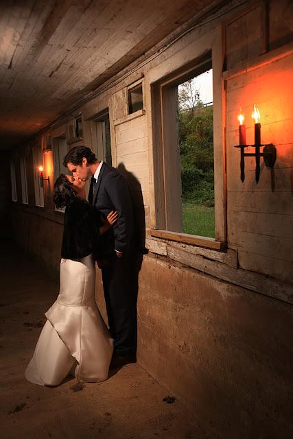 bride and groom mount vernon farm