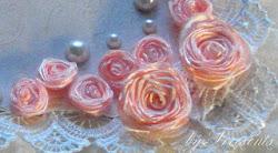 Роза из атласной ленты.