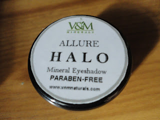 V&M Mineral Eyeshadow in Halo @ Beauty Broadcast
