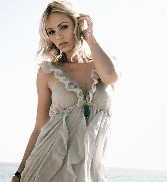 Laura Vandervoort Super Hot Canadian Actress And Model