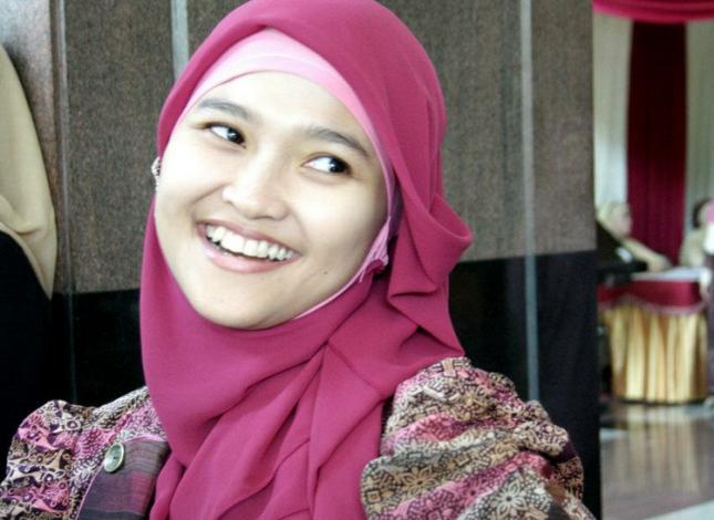 Jilbab yang Cocok Untuk Wajah Bulat - Cara Memakai Jilbab