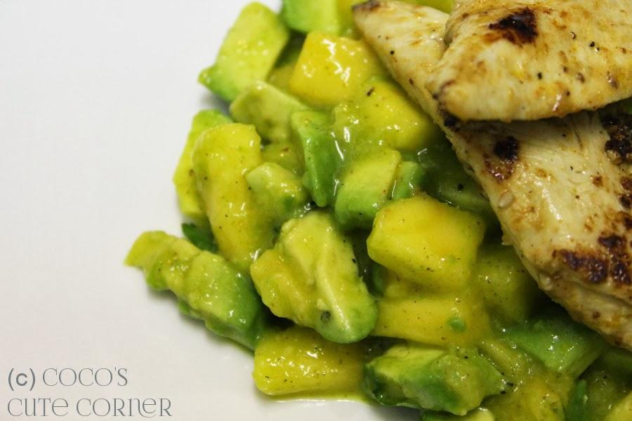 Avocado Mango Salad with Chicken