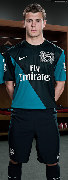 Gunner's Away Kit 2011-12
