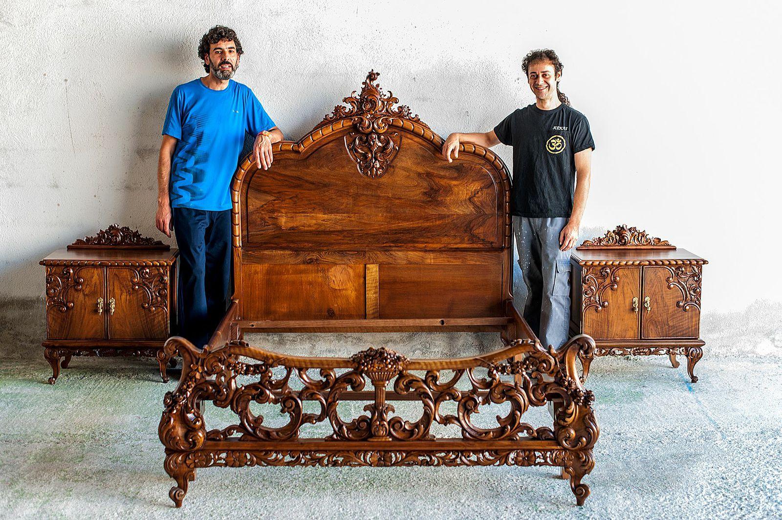 Alcoba Luis XV en madera de nogal en venta