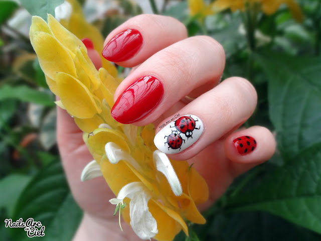 Nail art coccinelles en relief / pierres liquides