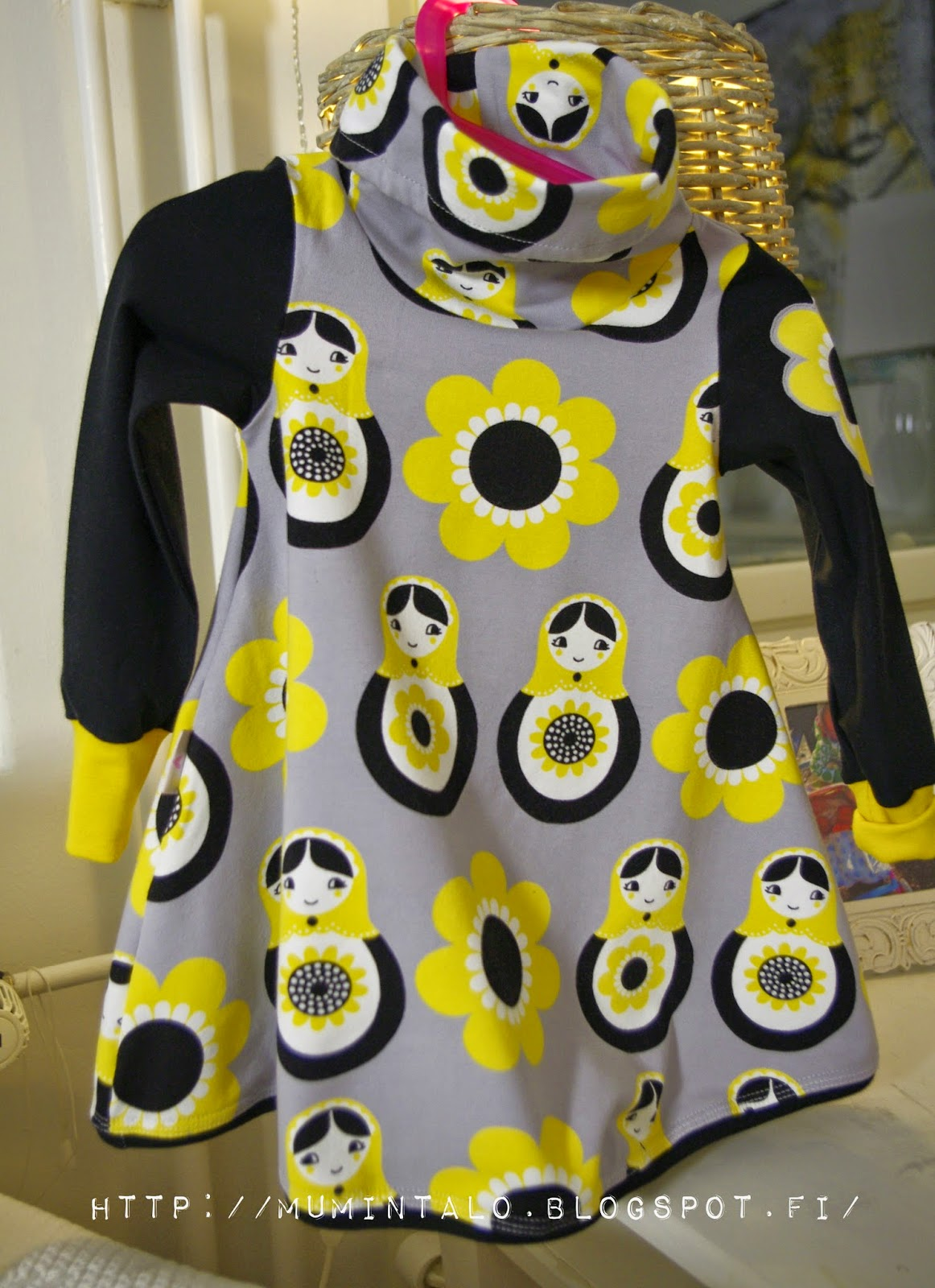 trikoo mekko lapselle