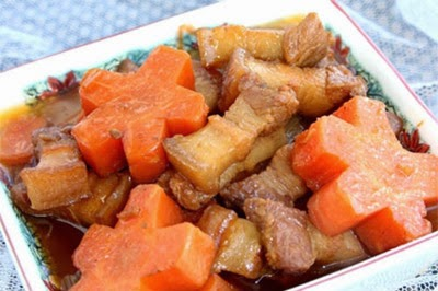 Xuýt xoa với thịt ba chỉ kho cà rốt ngon 1