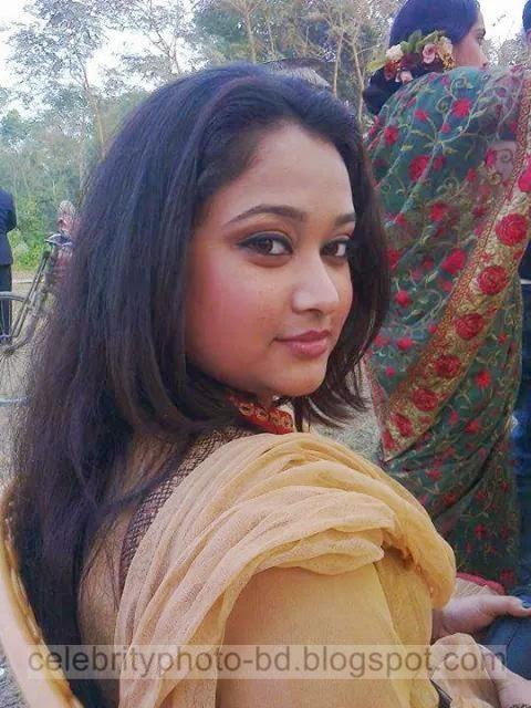 Bangladeshi%2BNormal%2BVillage%2BGirls%2BLatest%2BPhotos037