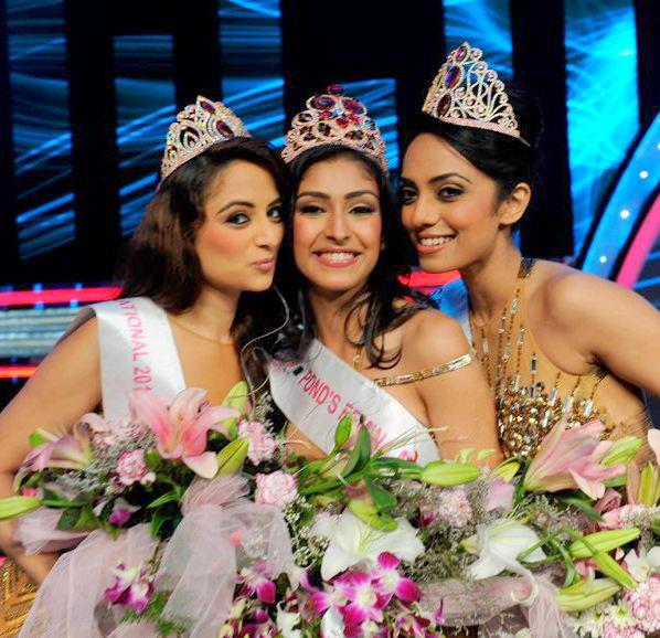 L-R: Zoya Afroz - 2nd runner up, Navneet Kaur Dhillon - Miss India 2013 and Sobhita Dhulipala - 1st runner up pose for the lensman during the Ponds Femina Miss India 2013 beauty pageant held at Yash Raj Studios in Mumbai on March 24, 2013.