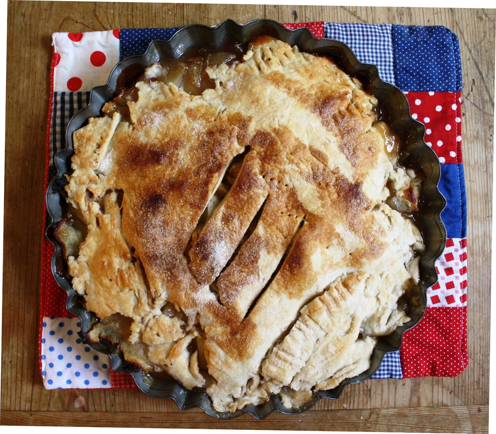 Hungryhippie Sews Homemade Apple Pie Recipe