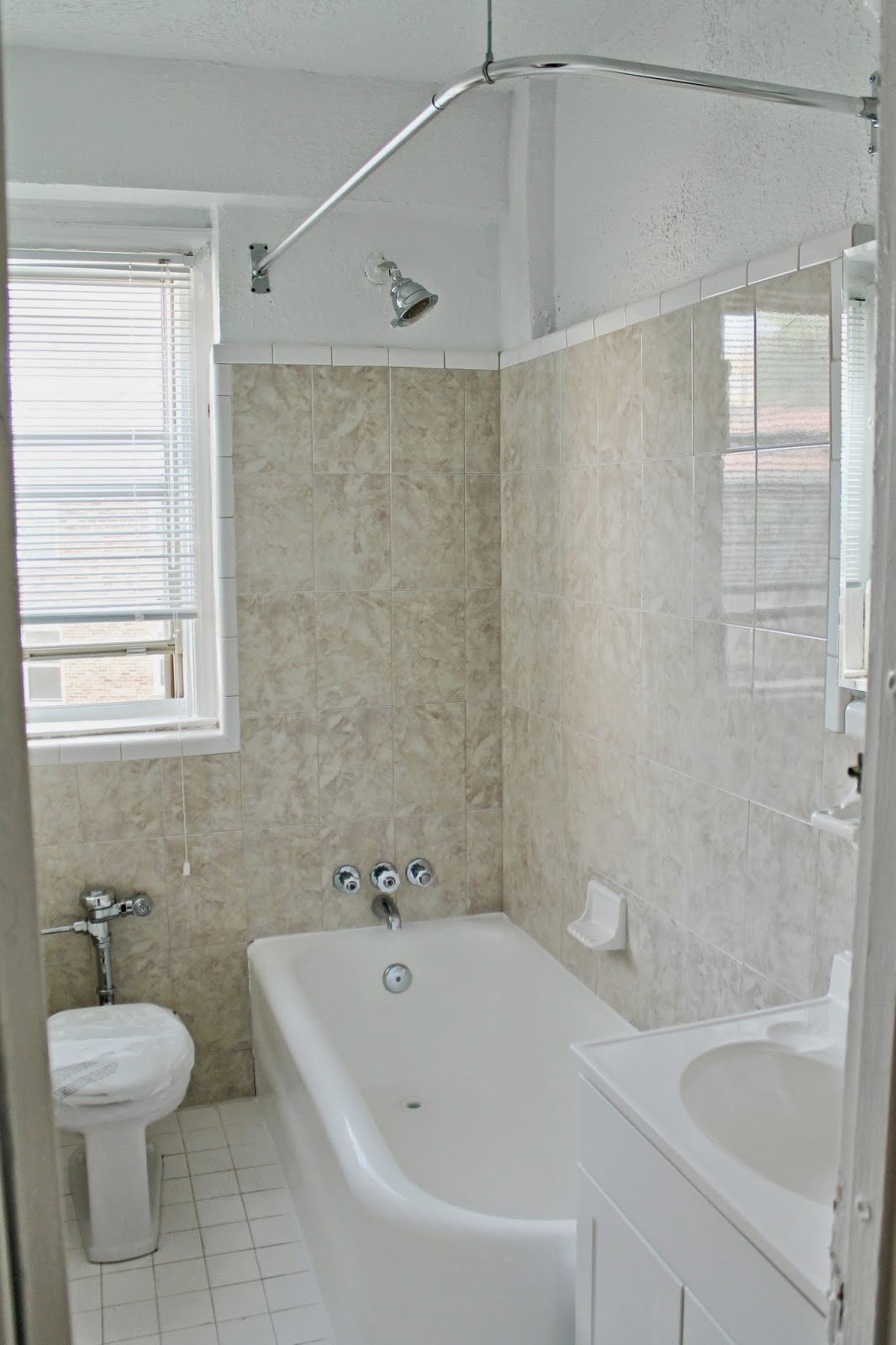 Bathroom plans tips for updating a rental bath shannon for Bathroom ideas for renters
