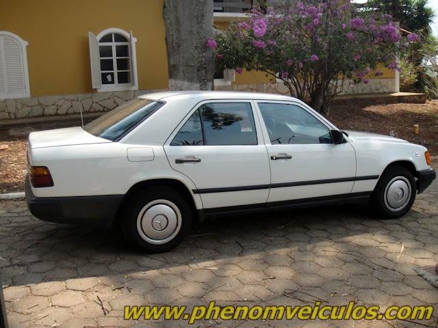 Mercedes-Benz 200 (W124) 1985