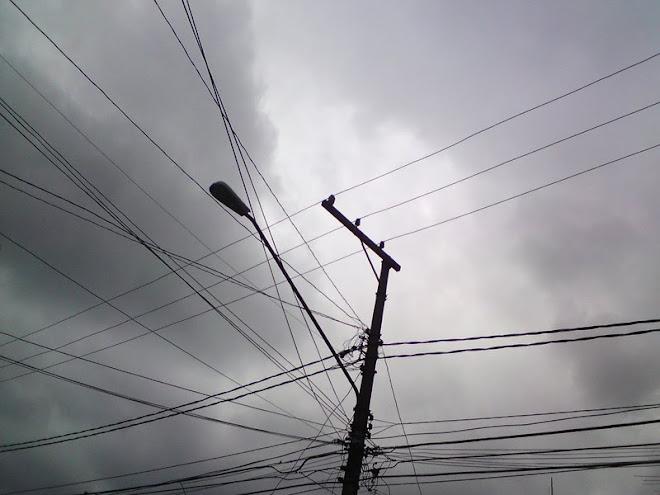 Poluição visual na Vila Nova Conceição em São Paulo. Isso porque o bairro é de alto padrão...
