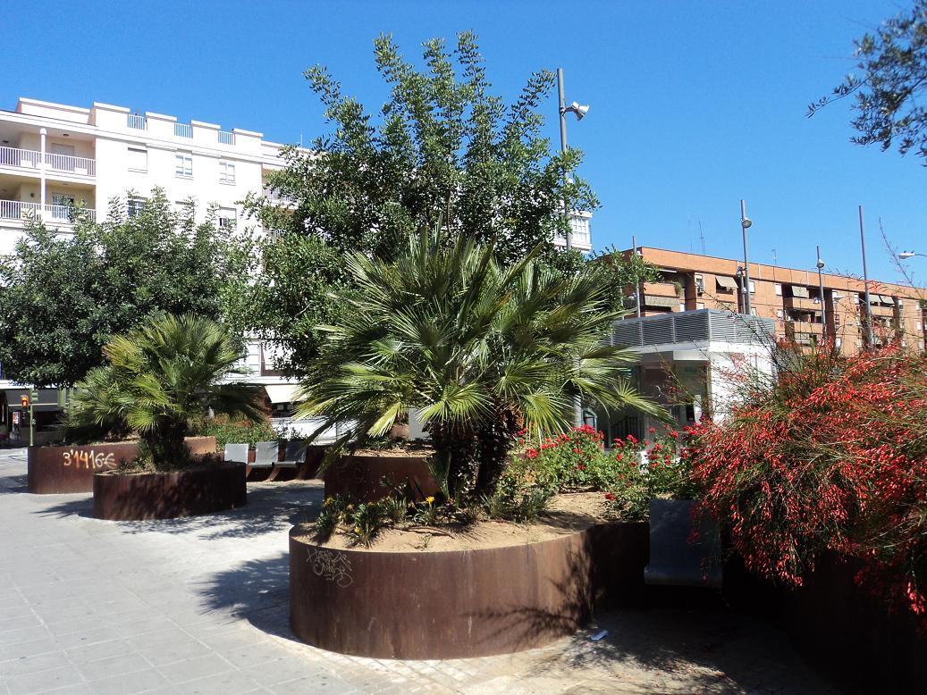 Cultura de sevilla el oasis urbano de jos laguillo - Calle rafael salgado ...