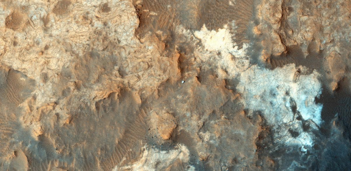 Mars image from the orbiter's High Resolution Imaging Science Experiment (HiRISE) camera. Credits: NASA/JPL-Caltech/Univ. of Arizona
