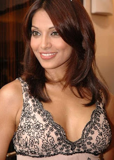 Bipasha Basu hot photos