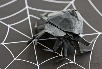 Halloween Decorations: Origami Spider
