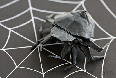 Halloween Decorations: Origami Spider