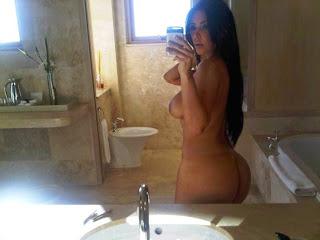 Kim Kardashian – Naked Personal Hacked Pictures