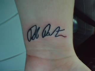tatuagem de autógrafo ou assinatura