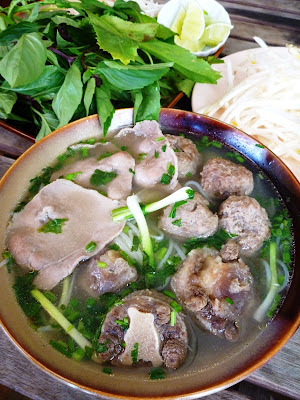 Phở Bò (Vietnamese Beef Noodle Soup)