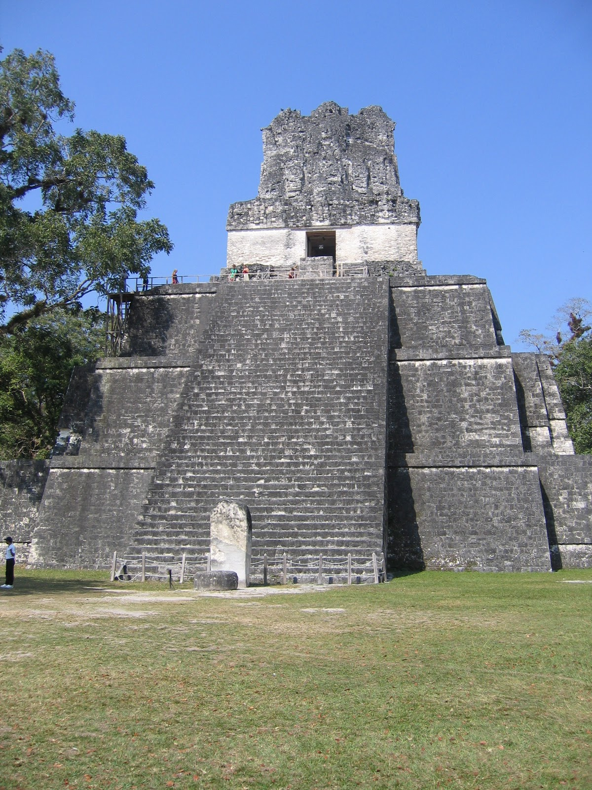 mayan architecture Explore the maya architecture and culture here's a look at what you may see on a guatemala tour to the mayan ruins of tikal in the el peten region.