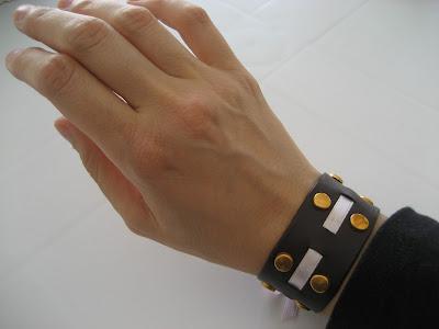 Brazalete tachuelas/ studded bracelet / manchette cloutée