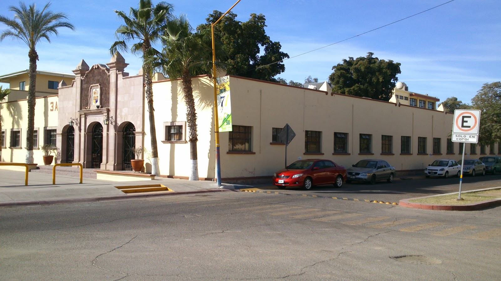 F sica historia y asuntos universitarios la escuela de for Universidades en hermosillo