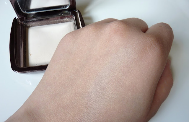 """Photo of Hourglass Ambient Lighting Powder in the shade """"Ethereal Light"""" swatch"""