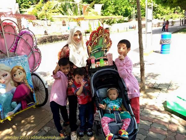 Jalan-jalan naik beca sekitar Bandar Bersejarah Melaka Raya