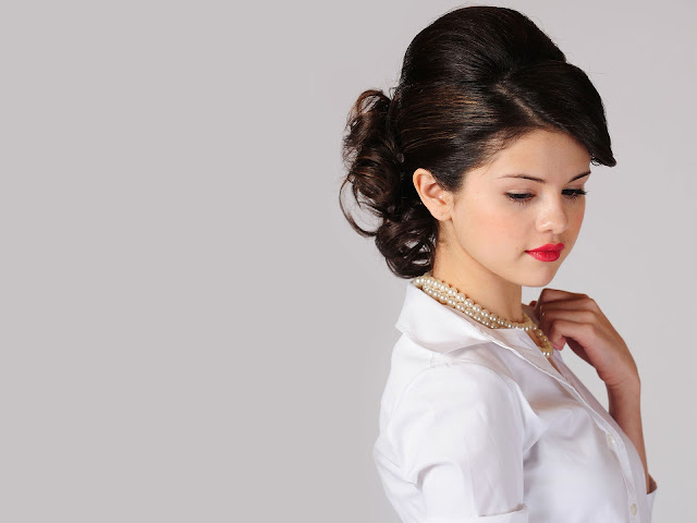 Selena Gomez Wiki and Pics