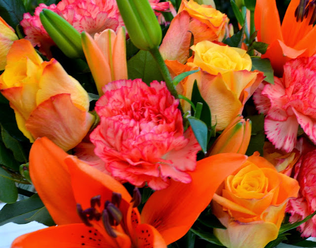 Debenhams - Flowers - Bouquet - Bunch - Roses - lillies - carnations - Autumn Flowers - Luxury bouquets