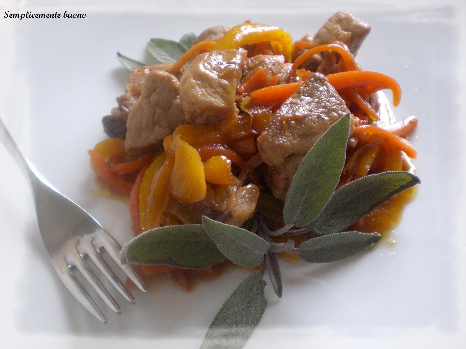 Semplicemente buono bocconcini di maiale con julienne di for Verdure alla julienne