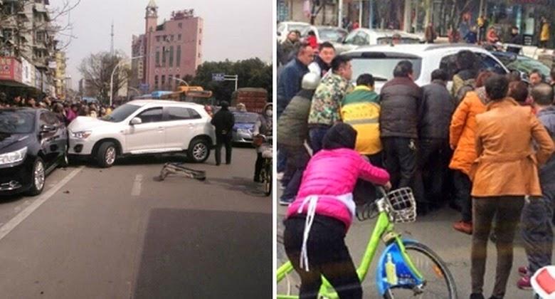 20 Orang Tak Dikenal Menyelamatkan Seorang Wanita Ditabrak Mobil