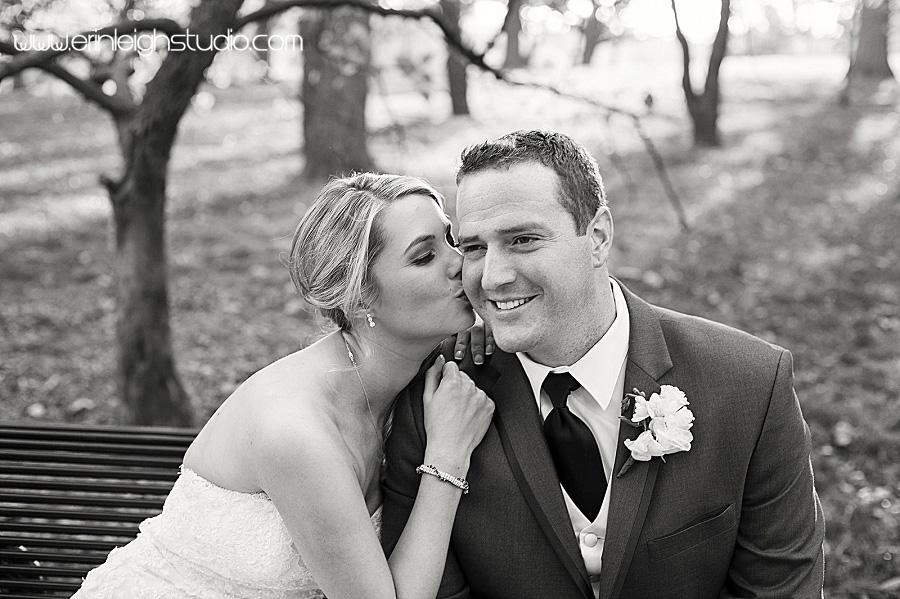 Wedding photos at Loose Park Kansas City