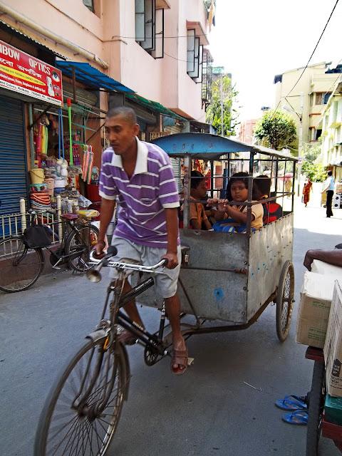 school rickshaw