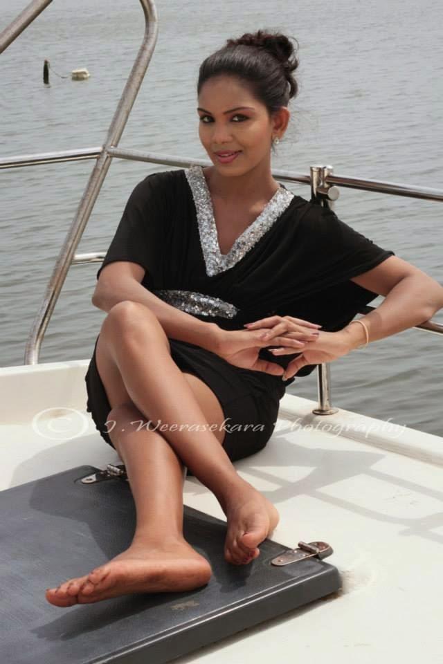 Imasha Dilshani super legs