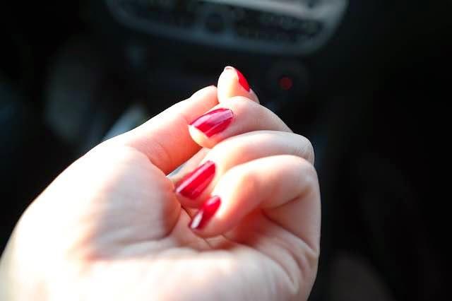 manicure hand