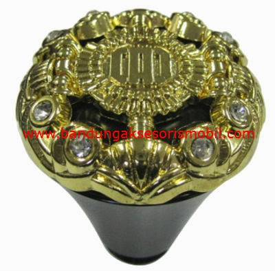 Gear Knop DAD Medium Black Berlian Gold
