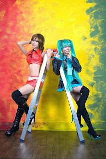 Vocaloid Meiko and Miku cosplay by Tasha and Eki