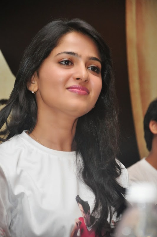 anushka shetty cute smile photos anushka shetty hot