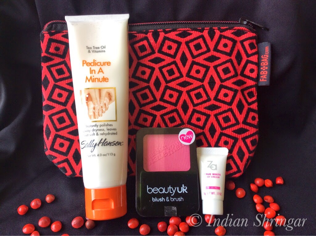 Contents of my April 2014 Fabbag including Sally Hansen, Beauty UK and Za.