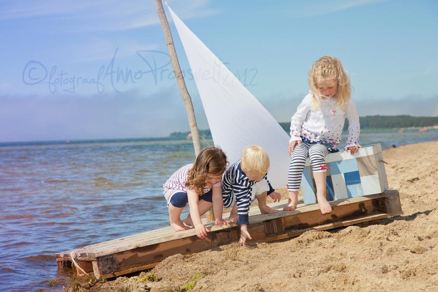 lapsed-parvega-laulasmaa-rannas