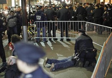 Dozens arrested at Wall Street Occupy's 6-month anniversary
