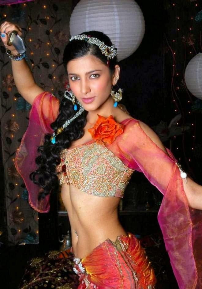 Shruti Hassan Hot Navel Show Photos