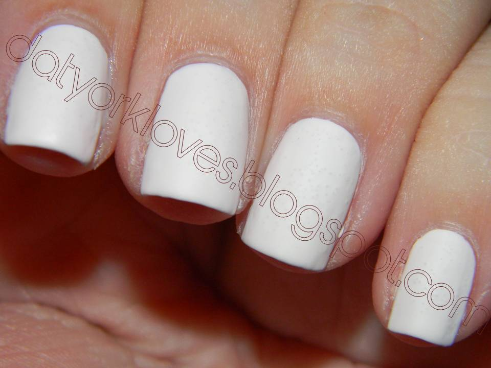 Solid White Matte NailsWhite Matte Nails
