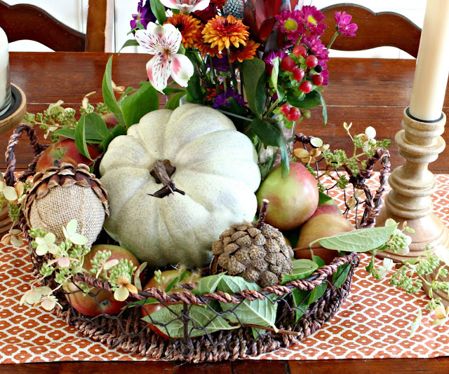 Fall centerpiece with pumpkin and apples-www.goldenboysandme.com