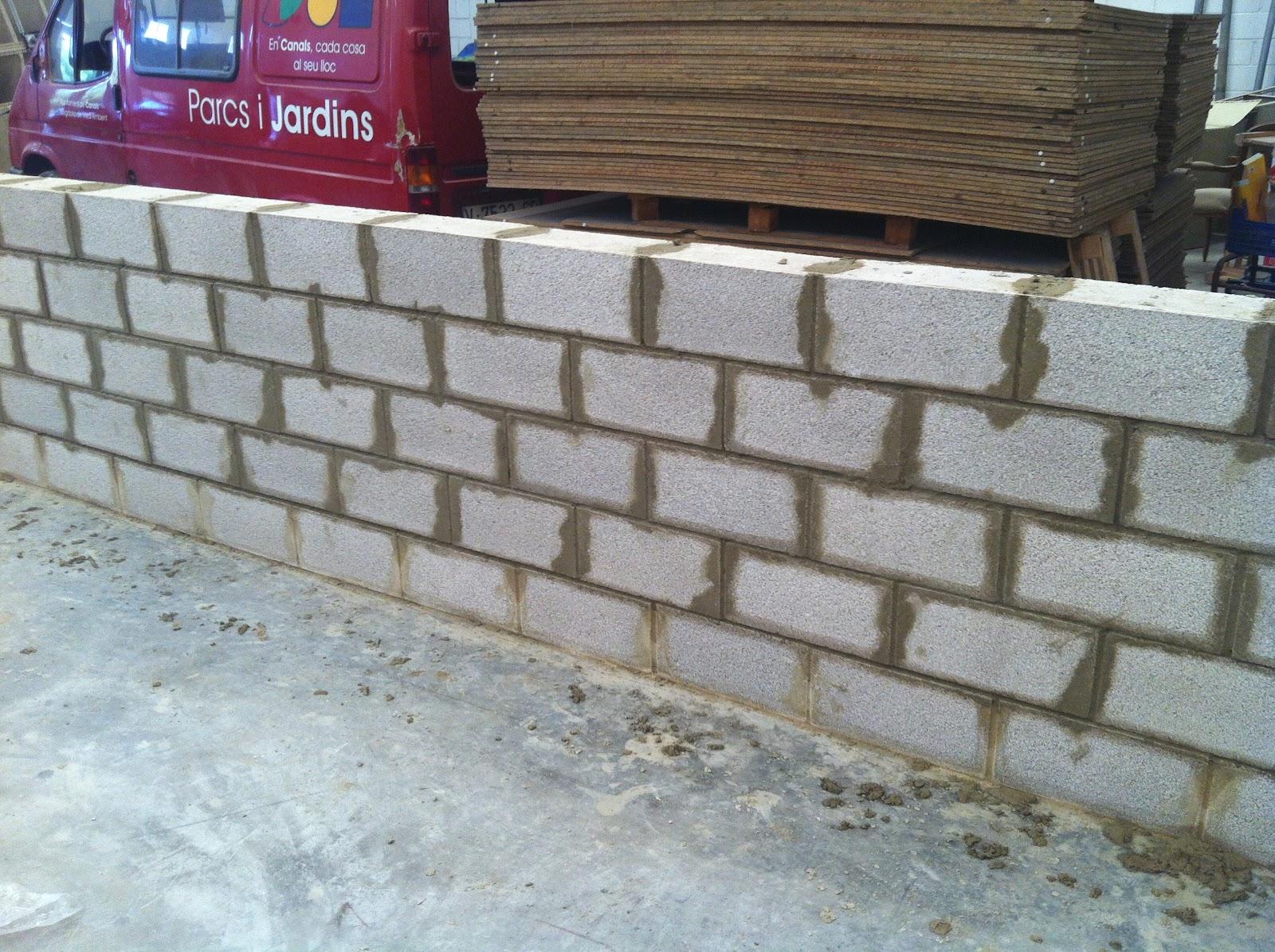El muro de bloques escuela taller la lloca iv canals - Muro de bloques ...