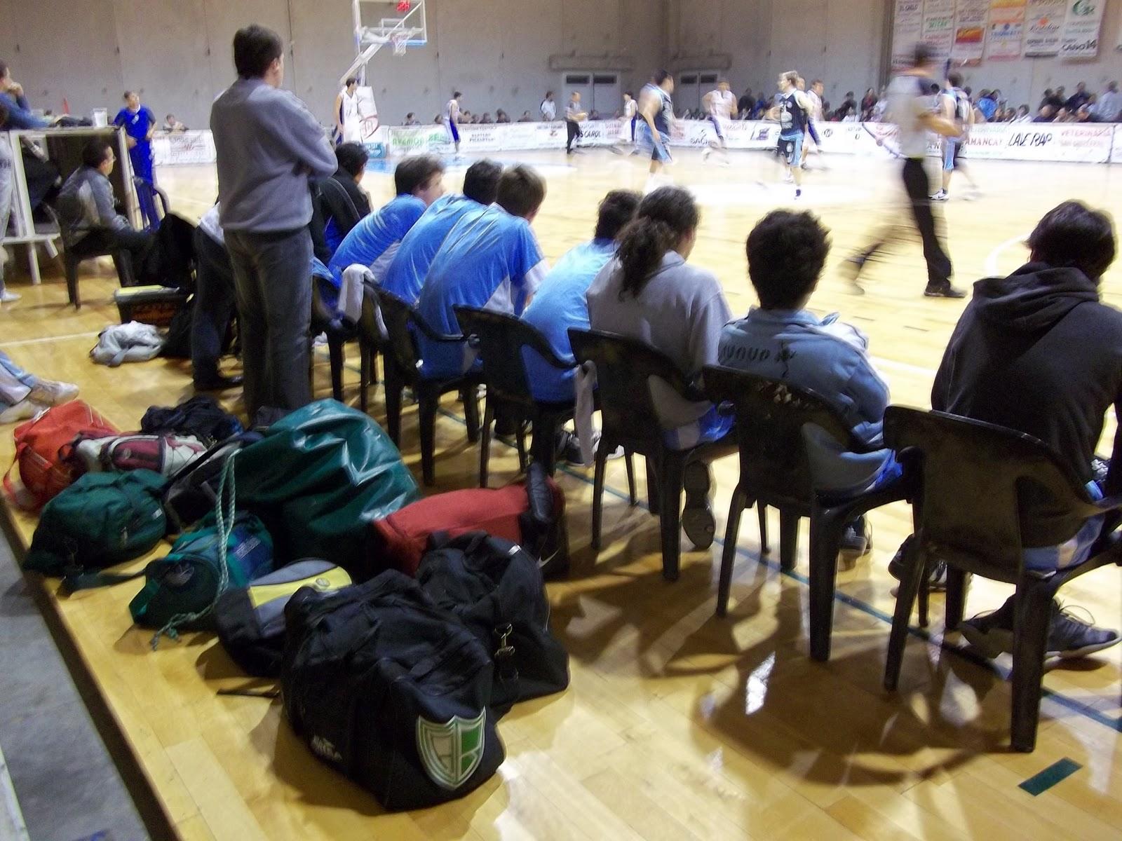 Deporte en freyre basquet poco muy poco for Comedor 9 de julio freyre