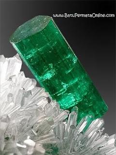 Batu Zamrud Colombia (Emerald)